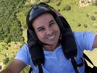 paragliding instructor